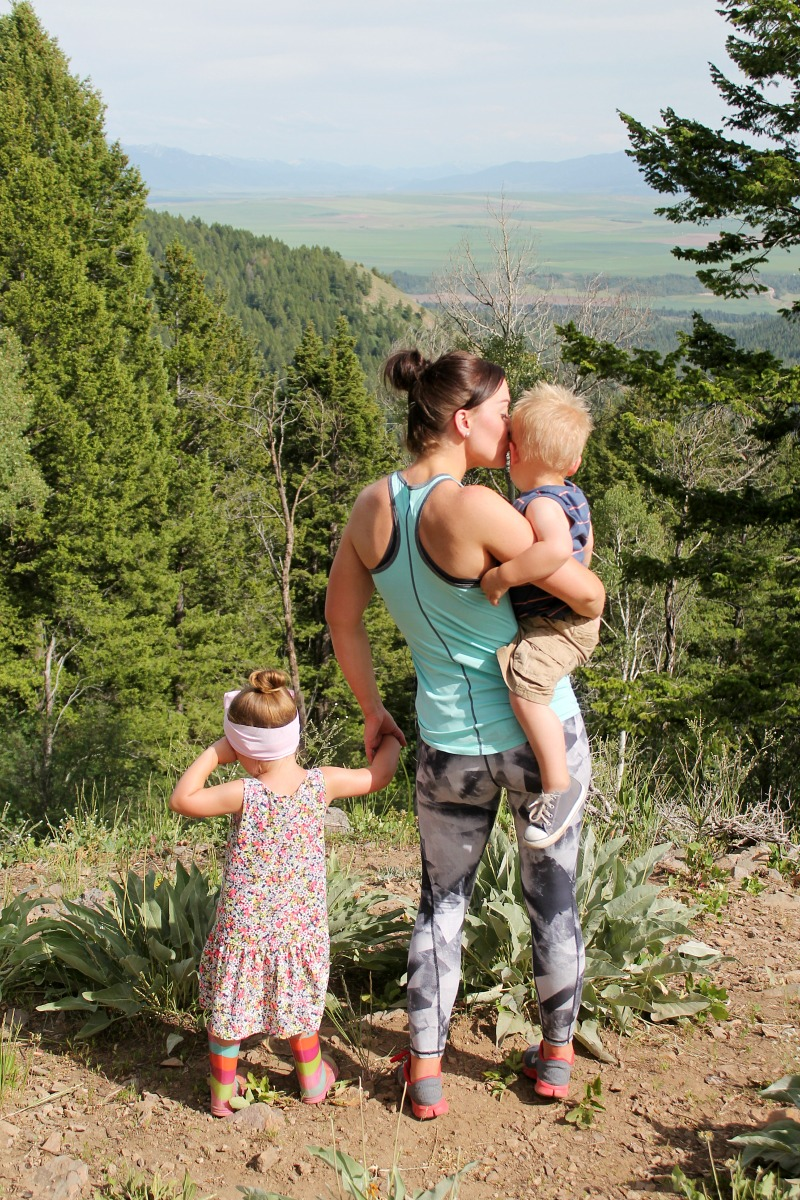 a hiking we will go… {family/Fitness}